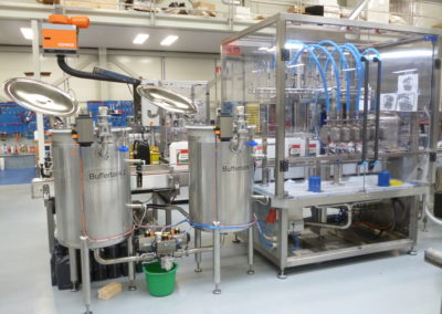 Complete filling line for engine oil and window cleaning liquid