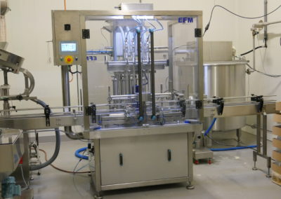 Automatic filling line for cold sauces
