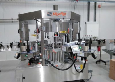 Complete filling line for miniature drinks bottles